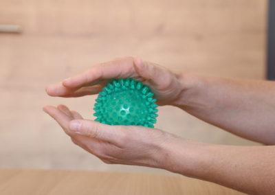 Behandlung mit Therapieball